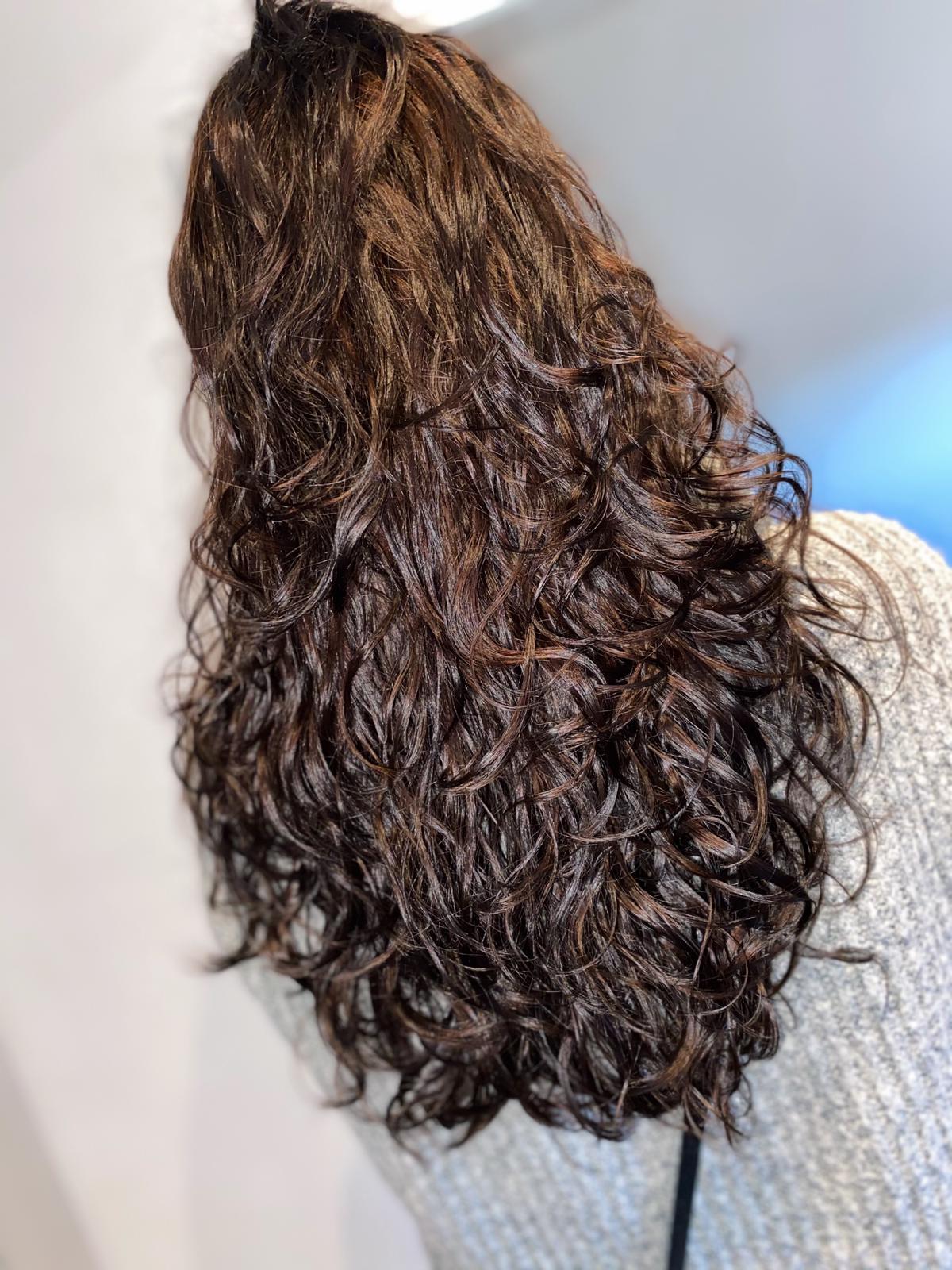 djenais curl addiction model eindhoven woensel